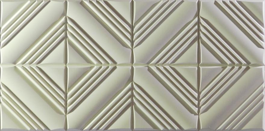 """Triangles, losanges ou carrés ? Le Broadway joue avec notre regard. L'oeil s'évade. L'espace est rythmé, le volume de la pièce en est sublimé. Réf. SD7055 • 40 x 40 x 2 cm / unité • Conditionnement : carton de 6 unités • Vendu en carton de 0.96 m² • Poids au m² : 12 kg • Pose par collage avec enduit cellulosique de type """"Staff Décor"""" • Finition : plâtre brut • Le produit est prêt à peindre.Réf. SD7055 • 40 x 40 x 2 cm / unité • Conditionnement : carton de 6 unités • Vendu en carton de 0.96 m² • Poids au m² : 12 kg • Pose par collage avec enduit cellulosique de type """"Staff Décor"""" • Finition : plâtre brut • Le produit est prêt à peindre."""
