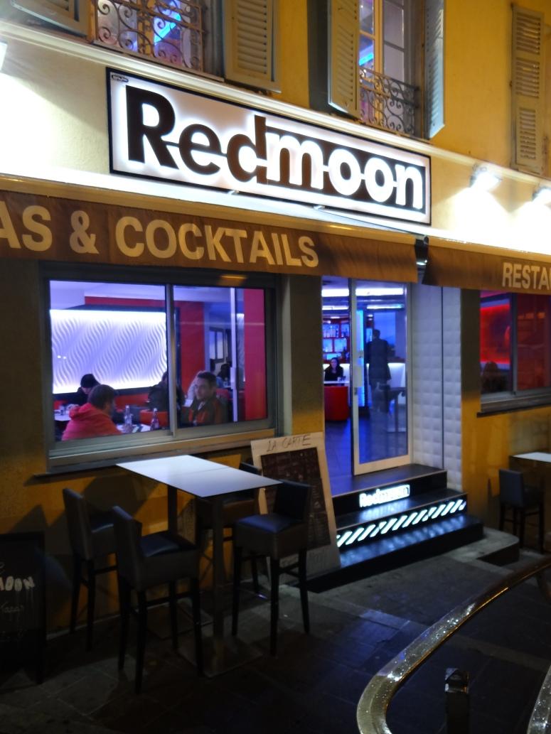 RedMoon 1 Descente du marché 06300 Nice Téléphone :0489148658 Email : redmoon.nice@gmail.com